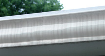 Tiger stripes on eavestrough